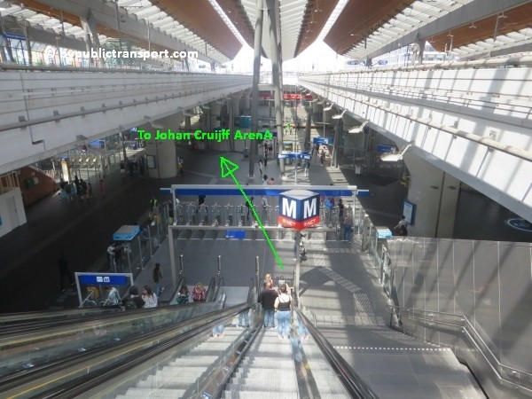 amsterdam johan cruijff arena met openbaar vervoer by public transport 02