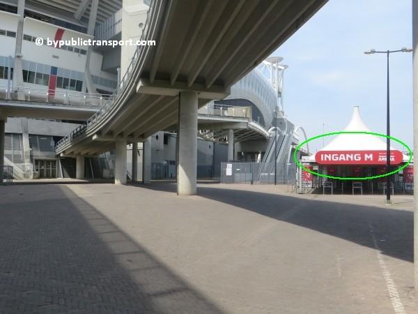 amsterdam johan cruijff arena met openbaar vervoer by public transport 08