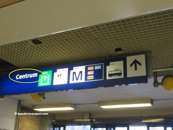 hoe kom ik bij de centrale bibliotheek oba oosterdok in amsterdam met het ov openbaar vervoer by public transport 04