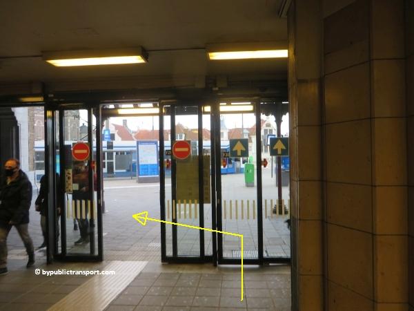 hoe kom ik bij de centrale bibliotheek oba oosterdok in amsterdam met het ov openbaar vervoer by public transport 05