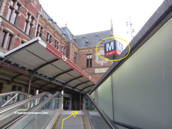 hoe kom ik bij de centrale bibliotheek oba oosterdok in amsterdam met het ov openbaar vervoer by public transport 18