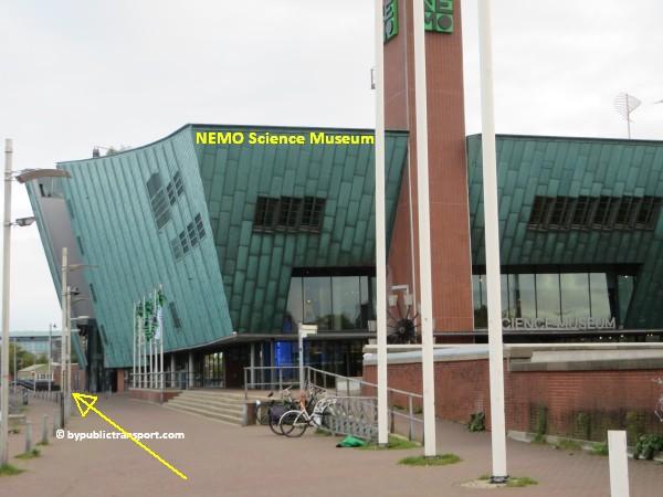 hoe kom ik bij de centrale bibliotheek oba oosterdok in amsterdam met het ov openbaar vervoer by public transport 32