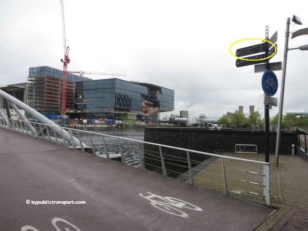 hoe kom ik bij de centrale bibliotheek oba oosterdok in amsterdam met het ov openbaar vervoer by public transport 34