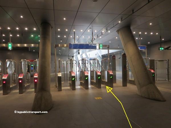 hoe kom ik bij de noordermarkt amsterdam met het ov openbaar vervoer by public transport 25