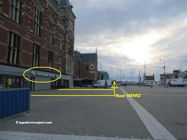 hoe kom ik bij het nemo science museum in amsterdam met het ov openbaar vervoer by public transport 06