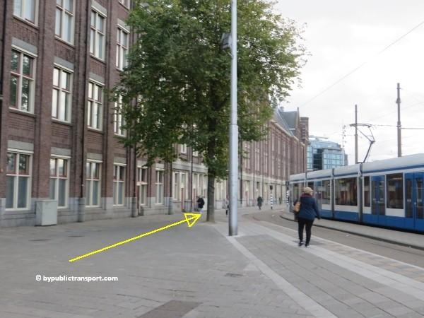 hoe kom ik bij het nemo science museum in amsterdam met het ov openbaar vervoer by public transport 11