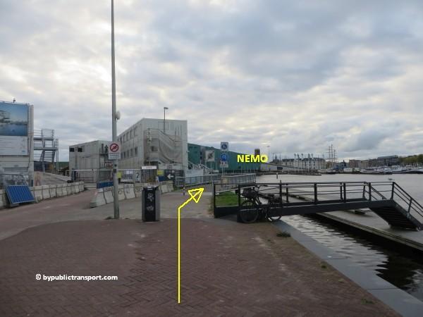hoe kom ik bij het nemo science museum in amsterdam met het ov openbaar vervoer by public transport 23