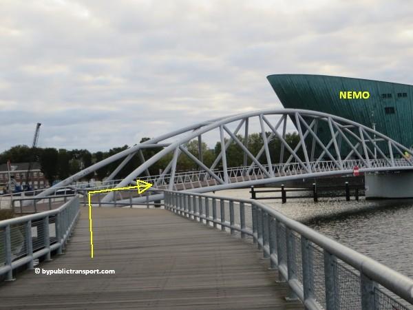 hoe kom ik bij het scheepvaartmuseum in amsterdam met het ov openbaar vervoer by public transport 32