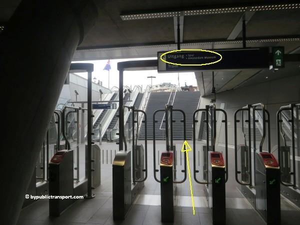 hoe kom ik bij het tropenmuseum amsterdam met het ov openbaar vervoer by public transport 29