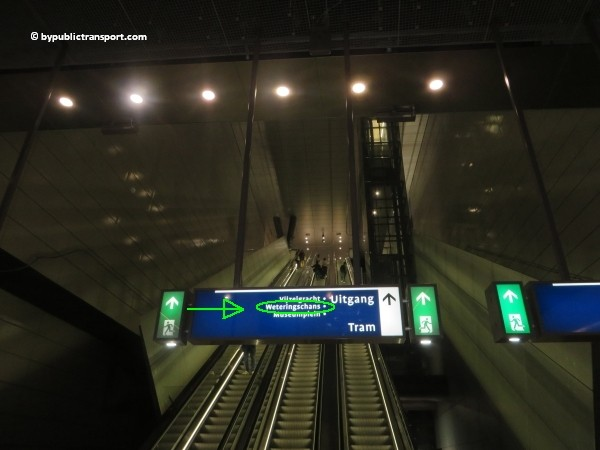 how do i get to the heineken experience amsterdam by public transport 04