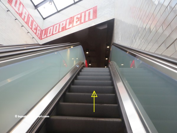 nationaal holocaust namenmonument amsterdam met het ov openbaar vervoer by public transport 06