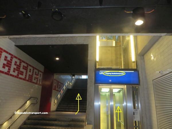 nationaal holocaust namenmonument amsterdam met het ov openbaar vervoer by public transport 11