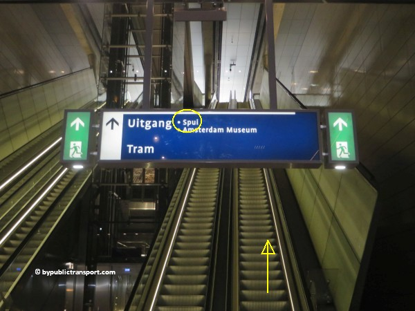nationaal holocaust namenmonument amsterdam met het ov openbaar vervoer by public transport 16