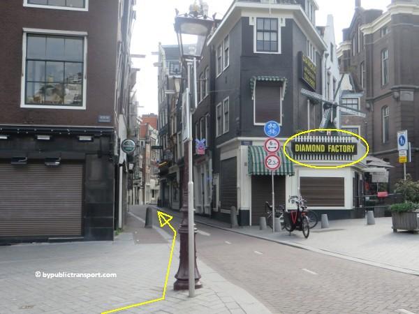 nationaal holocaust namenmonument amsterdam met het ov openbaar vervoer by public transport 20