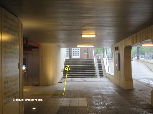 nationaal holocaust namenmonument amsterdam met het ov openbaar vervoer by public transport 22