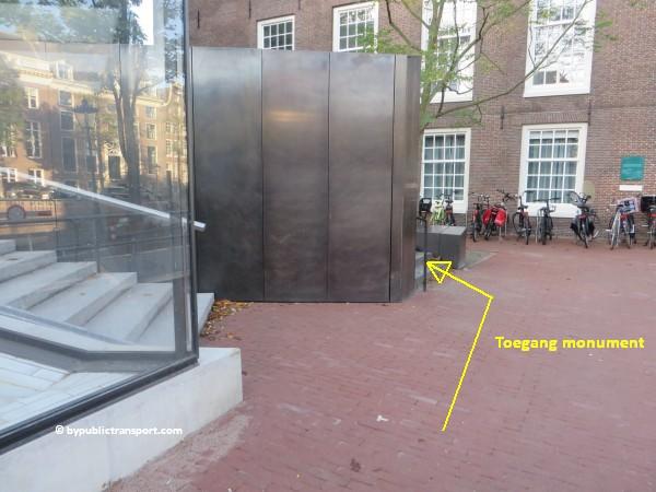 nationaal holocaust namenmonument amsterdam met het ov openbaar vervoer by public transport 24