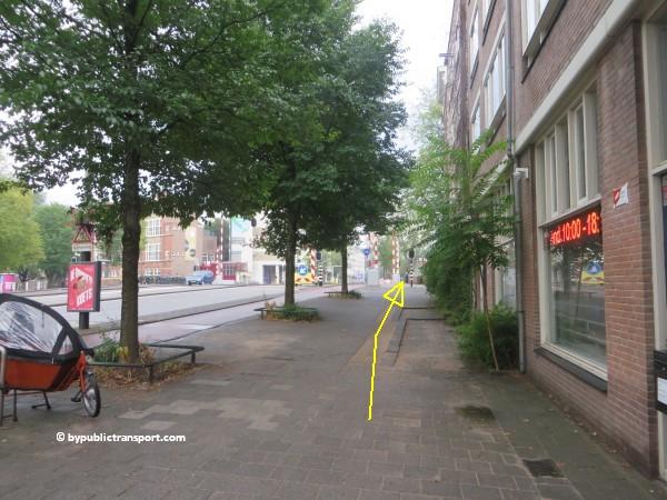 nationaal holocaust namenmonument amsterdam met het ov openbaar vervoer by public transport 31