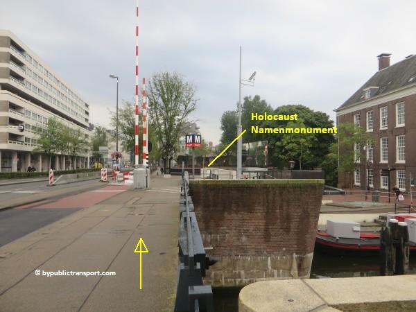 nationaal holocaust namenmonument amsterdam met het ov openbaar vervoer by public transport 32