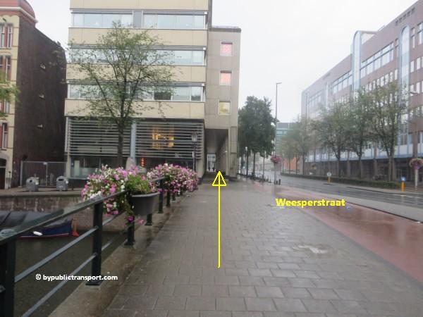 nationaal holocaust namenmonument amsterdam met het ov openbaar vervoer by public transport 34